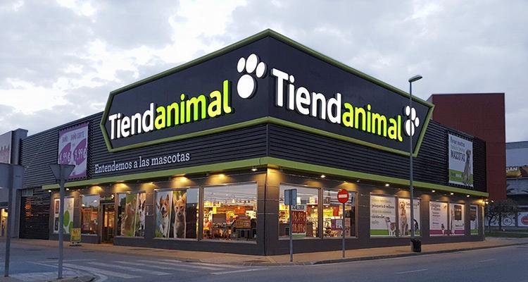 Tienda mascotas en m laga tiendanimal for Almacenes de muebles en malaga